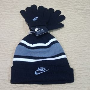 Nike youth size 2 Piece Hat and gloves
